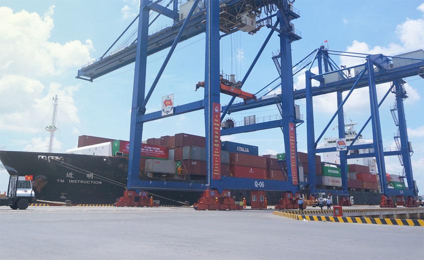 Cảng Tân Thuận quận 7 sẽ được di dời về cảng Hiệp Phước tại Nhà Bè.