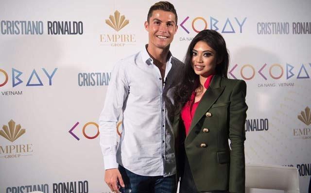 Cristiano Ronaldo và Phó tổng giám đốc Tập đoàn Empire - Coco Trần.
