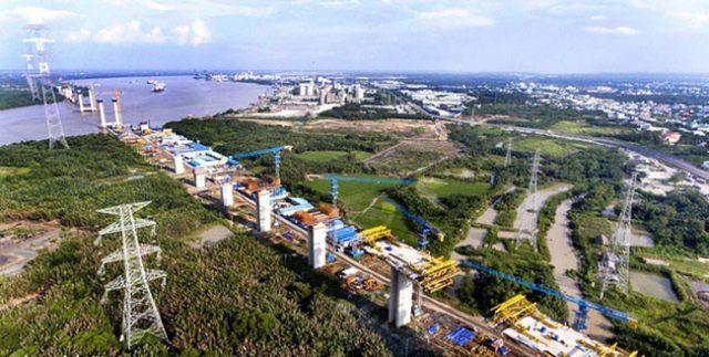 Cầu Bình Khánh đang trong quá trình xây dựng, nối Nhà Bè và Cần Giờ. Ảnh: TTO.