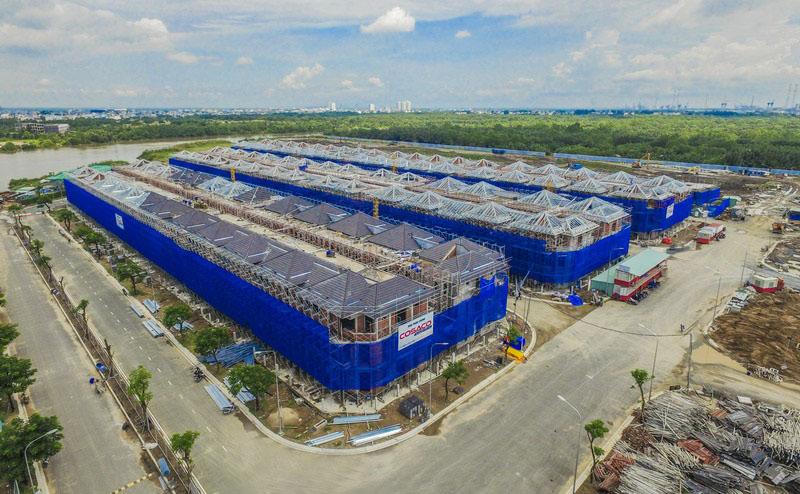 Dự án Lavila đang trong quá trình xây dựng hoàn thiện, sẽ bắt đầu bàn giao trong quý 2/2018, chuẩn bị ra mắt biệt thự Lavila De Rio đơn lập.