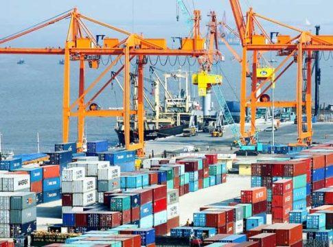 Cảng Cát Lái là một trong những điểm nóng về giao thông tại TP.HCM.