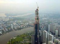 Cất nóc tòa tháp cao nhất Việt Nam, top 20 thế giới The Landmark 81 tại khu đô thị Vinhomes Central Park.