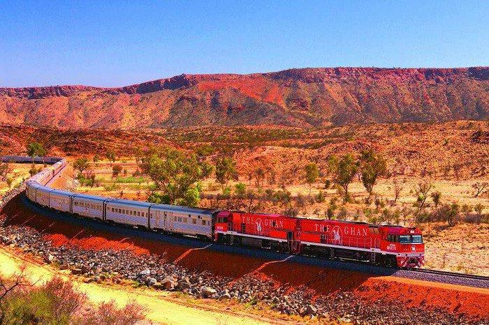 The Ghan là một trong những đoàn tàu vận chuyển hành khách bằng đường sắt dài nhất trên thế giới, kết nối hai vùng Nam - Bắc của Úc. Ảnh: TTO.